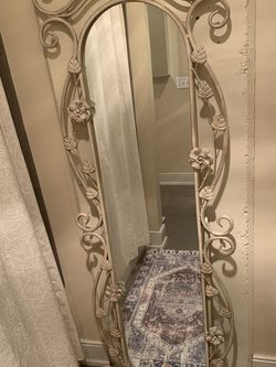 Vintage Standing Long Floor Mirror for Sale in Seattle,  WA