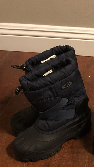 Snow boots Size4 in youth for Sale in Auburn, WA