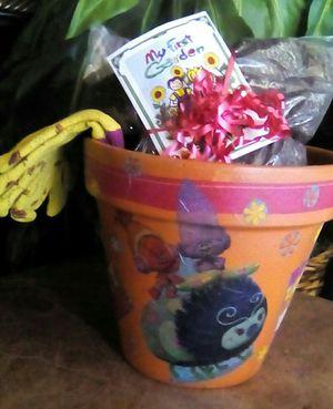 8in Troll's Terra Cotta Pot for Sale in Bakersfield, CA