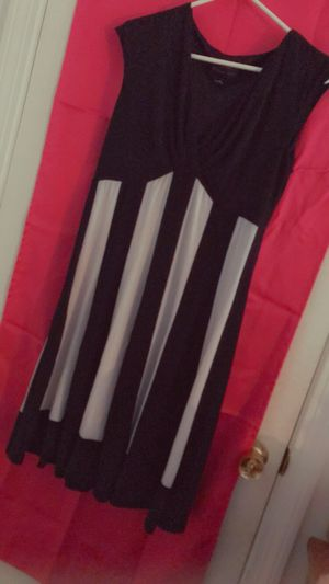 Connected Apparel - Black && White Dress for Sale in Euclid, OH