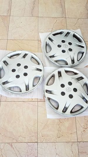 Toyota Sienna 15 inch hubcaps - OEM for Sale in Los Angeles, CA