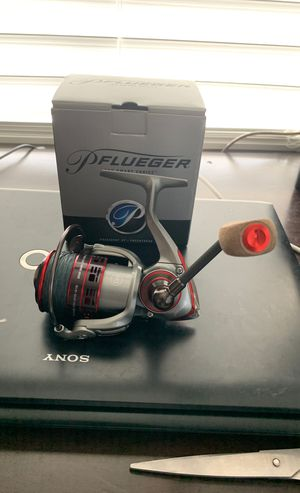 Brand new Pflueger president XTSP30 fishing reel with 15 lb braided line for Sale in Tamarac, FL