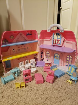 Foldable doll house 20 pieces for Sale in Lynnwood, WA