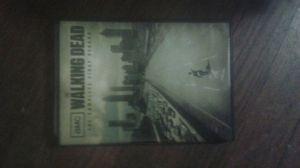 Walking dead season 1 complete dvd 2 dvds for Sale in Atlanta, GA