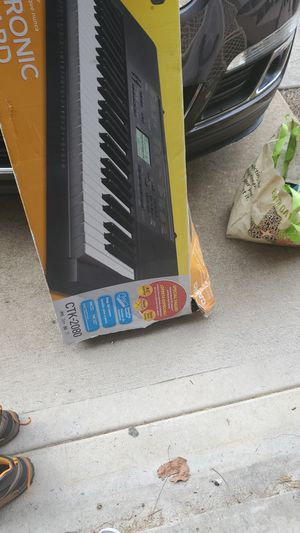 Electric Keyboard for Sale in Woodstock, GA
