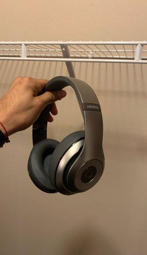 Wireless Beats Studio Headphones (Platinum) for Sale in San Antonio, TX