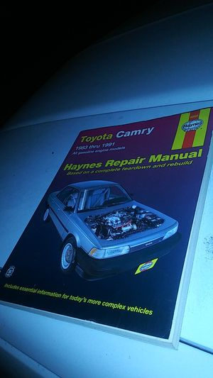 Toyota Camry repair book 1983 thru 1991 asking $10.00 firm for Sale in Salem, OR