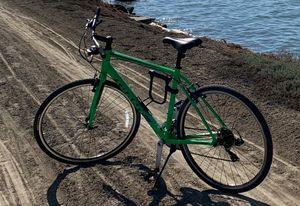 Giant escape 3 hybrid bike for Sale in Long Beach, CA