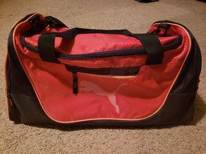 Duffle Bag for Sale in Pumpkin Center, CA