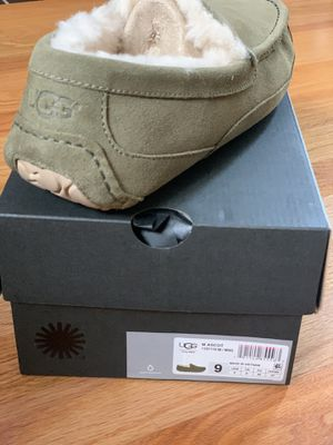 Brand new Ugg slides size 9 for Sale in Arlington Heights, IL