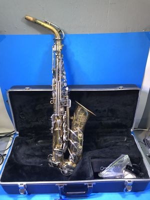 Selmar Bundy II Saxophone with case for Sale in Cleveland, OH