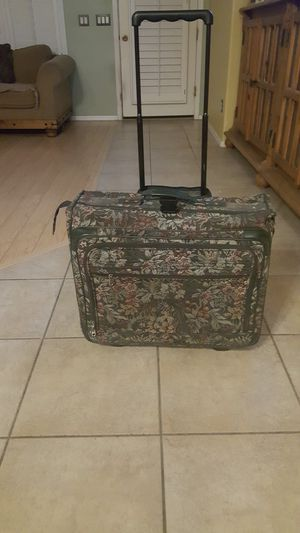 Large suitcase garment bag combination for Sale in Chandler, AZ