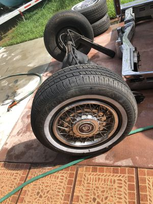 Original Cadillac wheels and tires for Sale in Miami, FL
