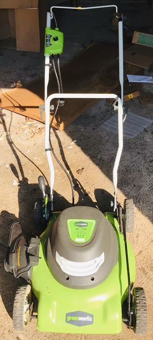 GreenWorks 18-Inch 12 Amp Corded Electric Lawn Mower, self propelled for Sale in Clifton Heights, PA