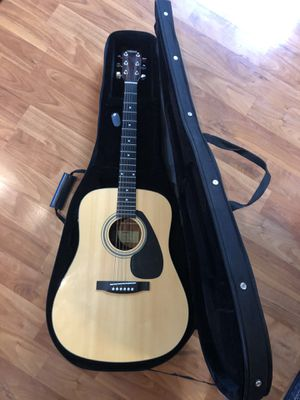 Yamaha FD01 Full Size Acoustic Guitar It comes with Hard Zipper Case Excellent Condition for Sale in Fremont, CA