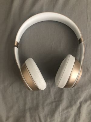 Beats Solo 2 Bluetooth for Sale in San Diego, CA