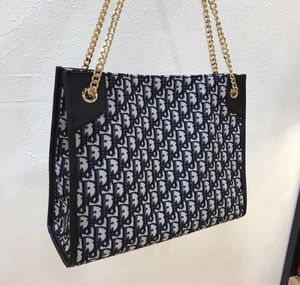 Dior tote bag for Sale in Phoenix, AZ