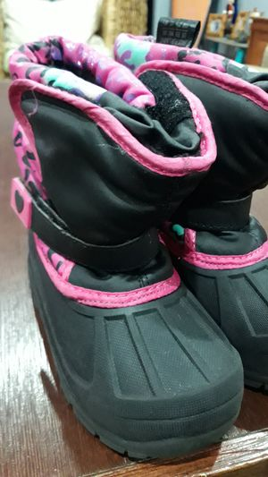 SNOW BOOTS FOR GIRLS SIZE:10 for Sale in Chula Vista, CA