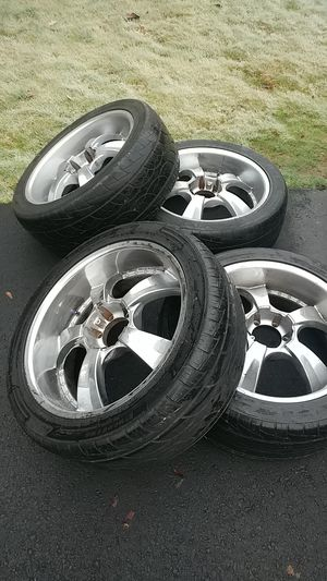 22 inch rims with center caps for Sale in Renton, WA