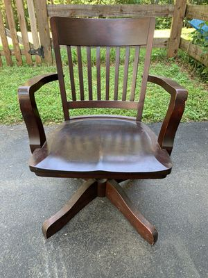 Antique chair. for Sale in Barboursville, VA