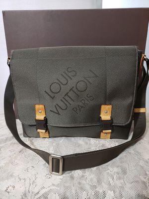 Authentic Louis Vuitton Damier Geant Loup Messenger Bag Terre for Sale in Warren, MI