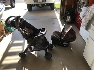 Graco click connect stroller car seat and base good condition for Sale in Menifee, CA