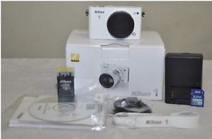 Nikon 1 J3 Camera for Sale in Tampa, FL