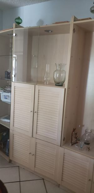 cabinets beautiful 6 in all call {contact info removed} just come and get them for Sale in Miami, FL