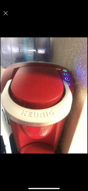 Keurig coffee machine + K-cup rotation holder (k-cups not included)(obo)(Need Gone) for Sale in Galveston, TX