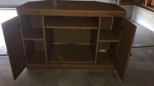 Tv stand wooden for Sale in Wichita, KS
