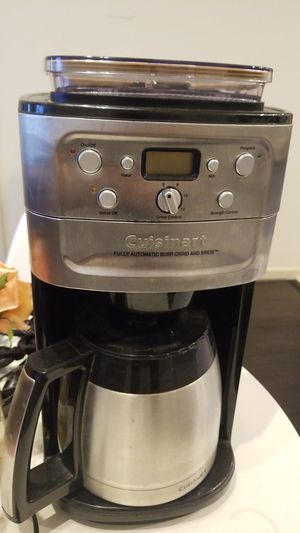 Cuisinart coffee maker with built in grinder for Sale in Fairfax, VA