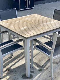 Outdoor Dining Set for Sale in Portland,  OR