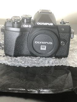 Olympus OM-D E-M10 Mark III Digital Camera With 12-200mm Lens. for Sale in Rockville,  MD