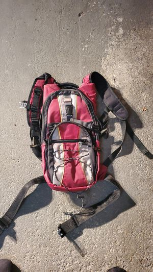 Small Coleman hiking backpack for Sale in Marysville, WA