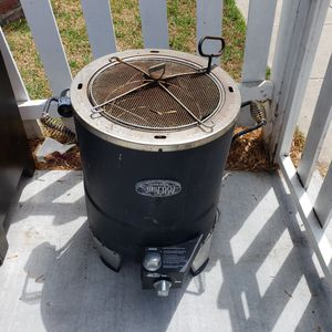 The Big Easy propane grill. for Sale in Long Beach, CA