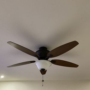 Hampton bay Ceiling Fan For Sale for Sale in Oviedo, FL