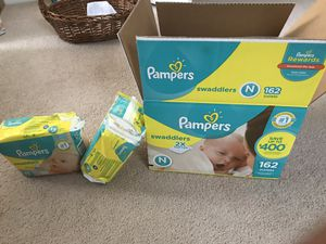 Newborns Pampers diapers ( about 195 counts) for Sale in Marietta, GA