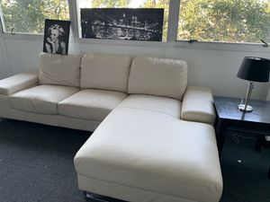 White leather couch + for Sale in San Antonio, TX