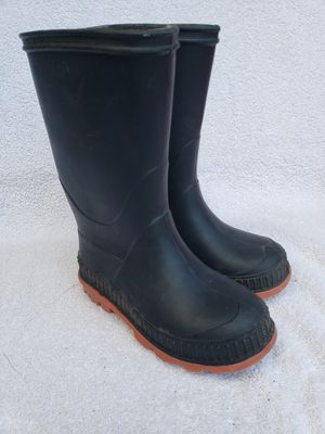 Rain boots kids size 8 for Sale in Auburn, WA