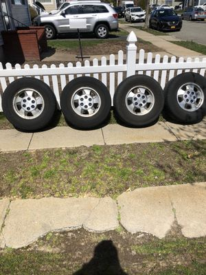 Tahoe /suburban rims and tires for Sale in Wantagh, NY