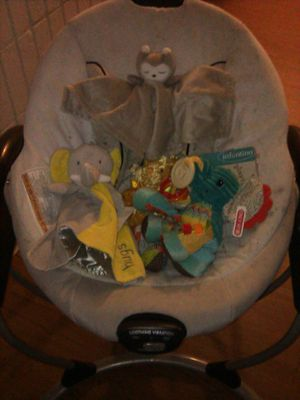 GRACO BABY SWING CHAIR WITH SOOTHING VIBRATION AND 6 SPEEDS for Sale in Oakland, CA