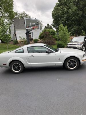 2006 Mustang V6 for Sale in St. Charles, IL