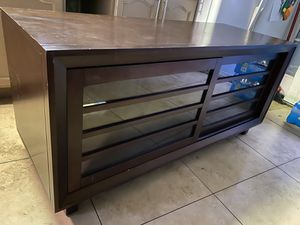 Tv stand/tv console/entertainment center for Sale in Whittier, CA