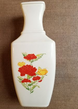 Shabby chic white flower vase for Sale in Three Rivers, MI