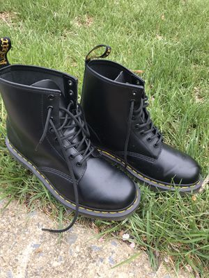 DR MARTENS CORE 1460 for Sale in Chevy Chase, MD
