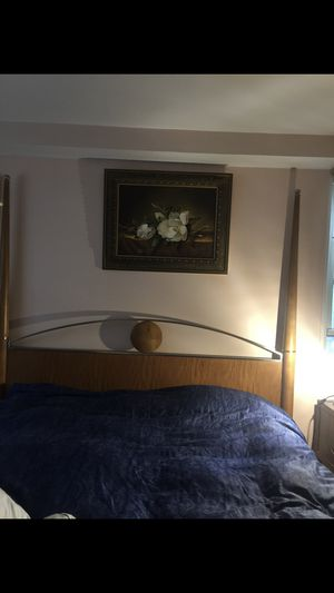 King bed frame/king mattress memory foam new for Sale in New York, NY