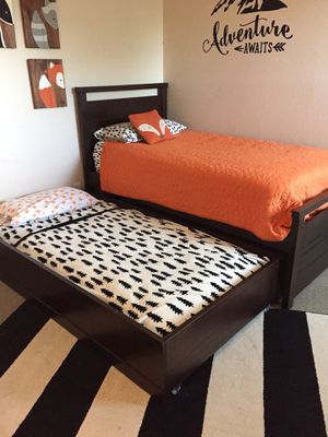 Solid Wood Trundle Bed Set with Matching Dresser for Sale in Buckeye, AZ