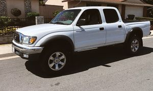 Keyless entry 2003 Toyota Tacoma for Sale in Columbus, OH