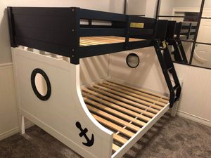 Twin/full bunk bed for Sale in Pomona, CA