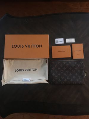 Louis Vuitton Etui Voyage PM Pochette for Sale in Hendersonville, TN